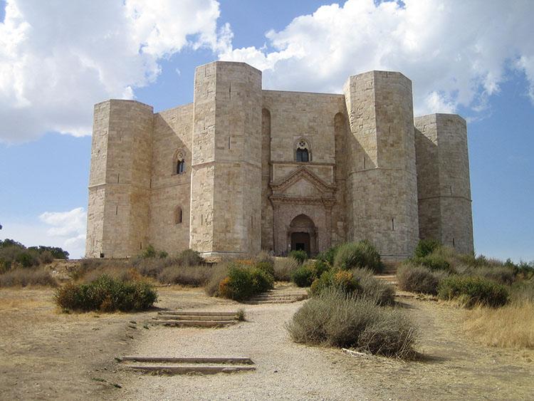 Castel del Monte © Wikipedia