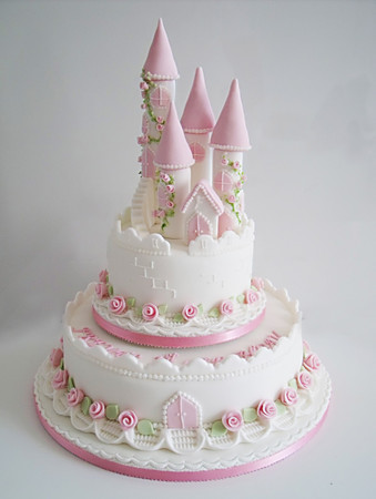 fairy-castle-christening-cake_lightbox