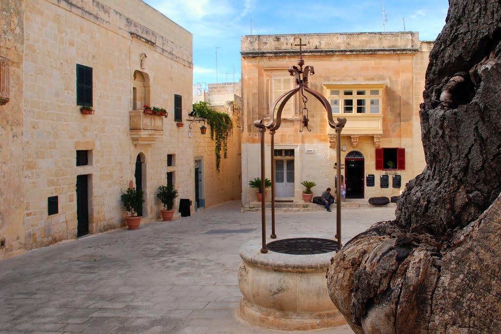 Piazza Mesquita