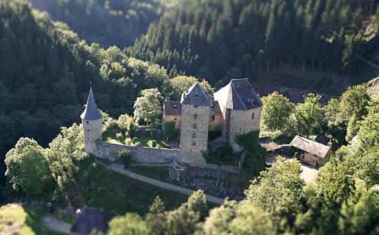 le-chateau-de-reinhardstein